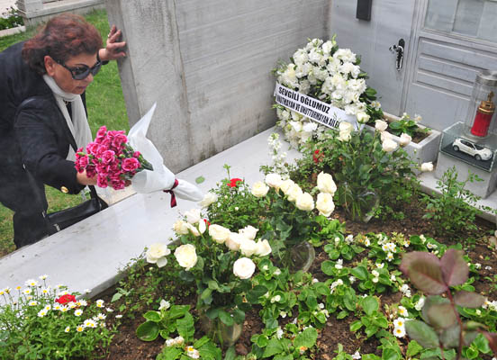 Sevag mezarı başında anıldı