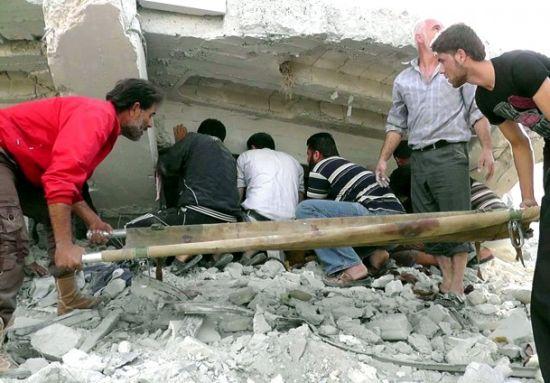 Suriye'de yerleşim yeri bombalandı