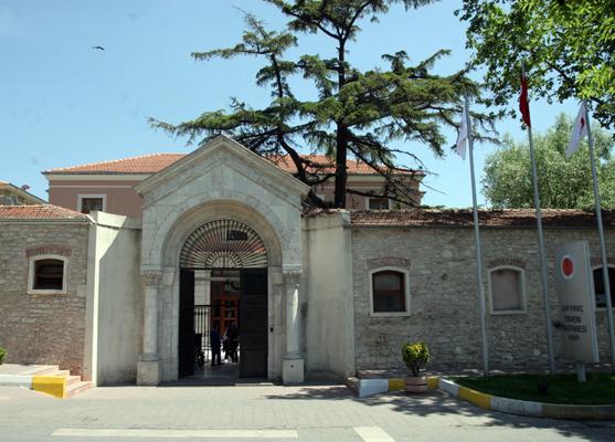 Zeytinburnu  Belediyesi gaspta ısrarlı