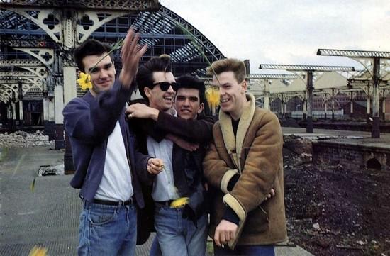 The Smiths Sormaz, The Smiths Anlar