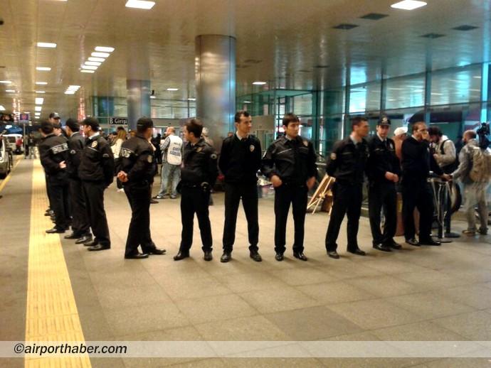 THY grevi polis kordonunda başladı