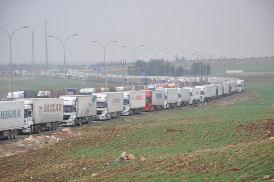 Davutoğlu: 32 TIR şoförü teslim alındı
