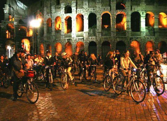 Açık Radyo'da gece yarısı bisiklet turu var!