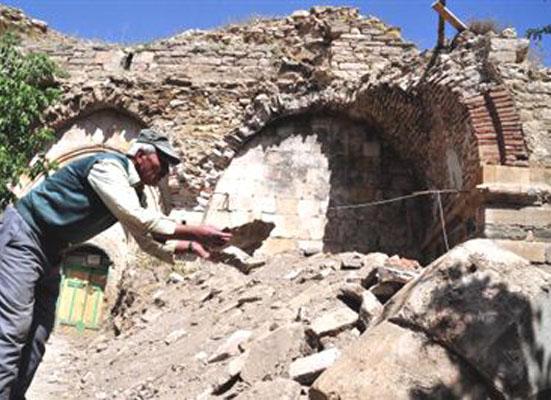 Tarihi Kilisenin Kurtarılması İçin, Tapu Sahibi Aranıyor