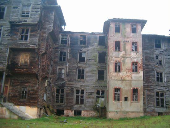 Rum yetimhanesi yıkılmaktan kurtuluyor