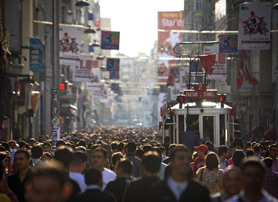 Türkiye'de gençler hem mutsuz hem öfkeli