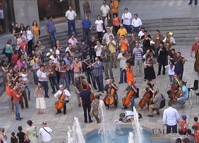 Yerevan'da 'Flashmob'*la Ermenistan Milli Marşı